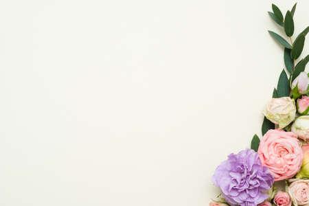 Photo pour minimal flower decor on white background. womens day congratulation - image libre de droit