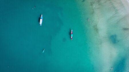 Photo pour blue sea from a birds eye view - image libre de droit