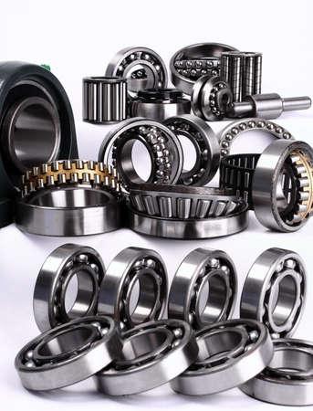 Photo pour Bearings have the important role in modern manufacture - image libre de droit