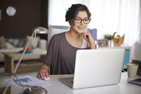 Photo pour Working at home allow me for flexible working - image libre de droit