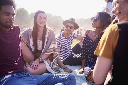 Photo pour Great party with the best friends - image libre de droit