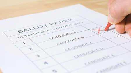 Photo pour Voting ballot paper for elections. Democracy and decision concept - image libre de droit