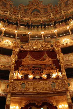 Photo pour La Fenice, historical theathre of the city of Venice, indoor - image libre de droit