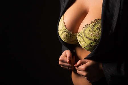Photo pour Woman with big breasts - image libre de droit