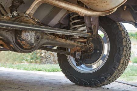 Photo pour Suspension of an offroad vehicle - image libre de droit