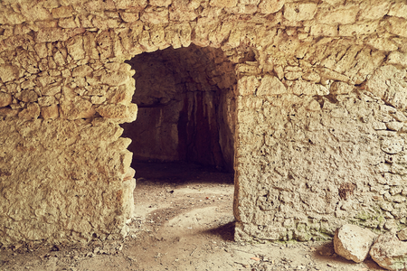 Photo pour Stone caverns of a cave - image libre de droit
