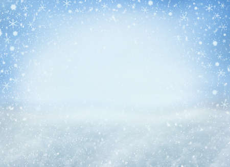 Photo pour Winter Christmas background with falling snowflakes. Background for design with copy space - image libre de droit