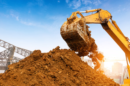 Photo pour Close-up of a construction site excavator - image libre de droit