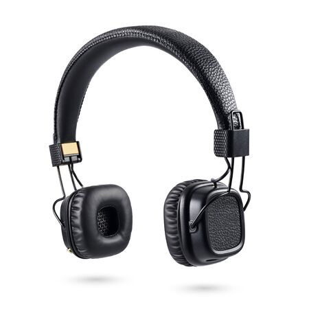 Photo pour Wireless black on-ear headphones isolated on white background - image libre de droit