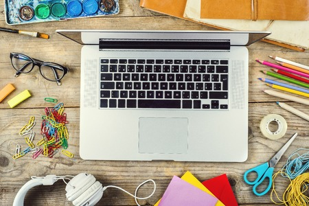 Photo pour Creative Desk - image libre de droit