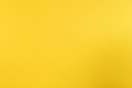 Foto de A yellow background. - Imagen libre de derechos