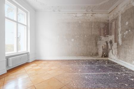Photo pour apartment room during renovation, before and after restoration /  refurbishment - merged - image libre de droit