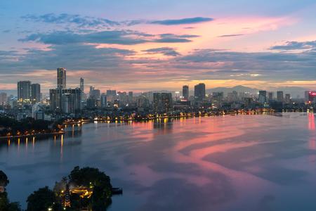 Foto de Aerial view of Hanoi skyline at West Lake or Ho Tay. Hanoi cityscape at twilight - Imagen libre de derechos