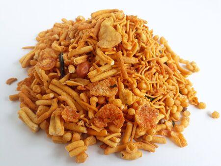 Photo pour Farsan mix chiwda made of chana dal, green peas and cereals - image libre de droit