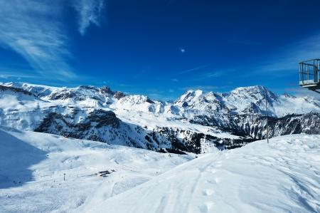 Photo pour Mountains with snow in winter, Meribel, Alps, France - image libre de droit