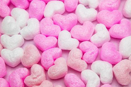 Photo pour heart shaped packing material - image libre de droit