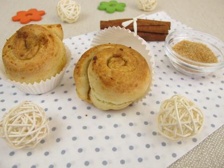 Pinwheel muffins with cinnamon and sugar