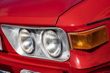 Photo pour Detail take of classic car headlights - image libre de droit