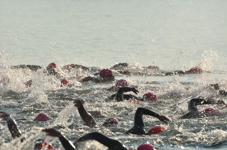 Photo pour BAYFIELD, WI - August 6: Women Competing in Open Water Swim Race on Lake Superior on August 6, 2011 near Bayfield, Wisconsin - image libre de droit