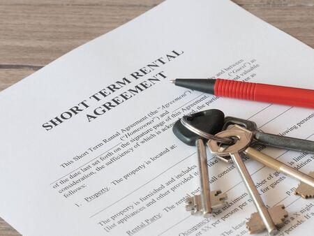 Photo pour Close - up of Lease or Rental agreement form - image libre de droit