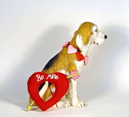 Valentine statue dog