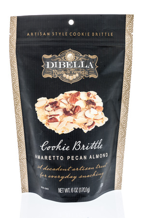 Foto per Winneconne, WI -  7 April 2018: A bag of Dibella ricette di famiglia artisan style cookie brittle  on an isolated background. - Immagine Royalty Free