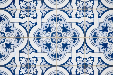 Backgrounds and textures: Intricate ceramic tile design.