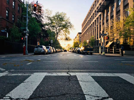 Photo pour Morning jogging at Willoughby Avenue, Brooklyn, New York City, USA - image libre de droit