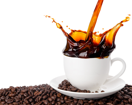 Photo pour Pouring coffee into cup with splashing isolated on white background. - image libre de droit