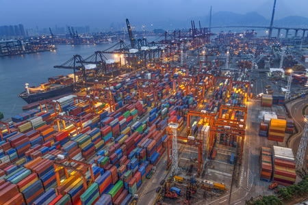 Photo pour industrial port with containers - image libre de droit
