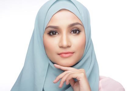 Photo pour portrait of beautiful musliman asian woman - image libre de droit