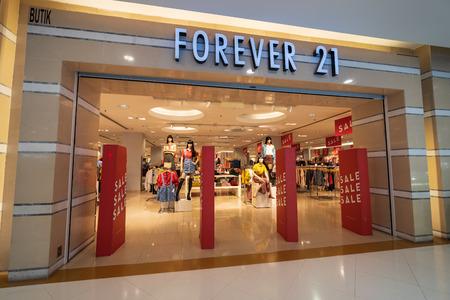 Photo pour SUBANG JAYA, SELANGOR - 25 July 2018. FOREVER 21 inside Sunway Pyramid Mall at Subang Jaya. - image libre de droit