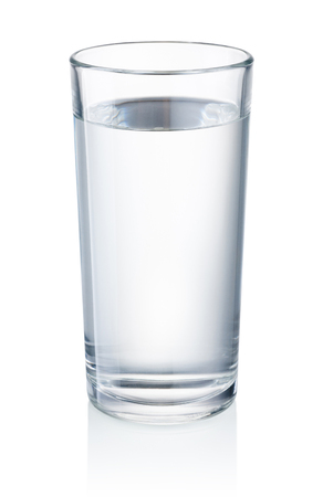 Photo pour Glass of drinking water isolated on white background - image libre de droit