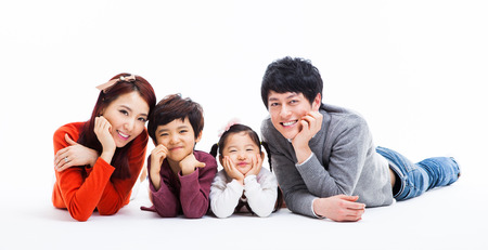 Photo pour Asian happy family isolated on white background   - image libre de droit