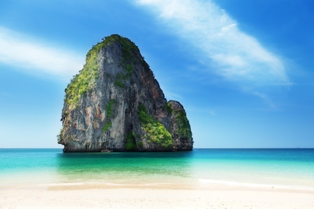 Photo pour Railay beach in Krabi Thailand - image libre de droit