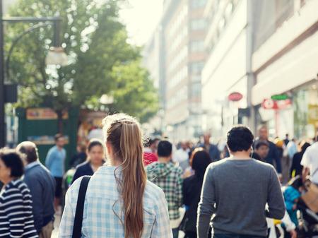 Foto de young woman on street of London - Imagen libre de derechos