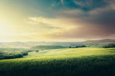 Photo pour tuscany lanscape, sunset time, Italy - image libre de droit