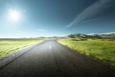 Photo pour road in summer sunny Iceland - image libre de droit