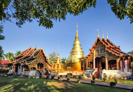 Photo pour Wat Phra Singh is one of the most famous temple at Chiang Mai Thailand - image libre de droit