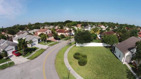 Foto de Suburban street in Florida - Imagen libre de derechos