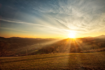 Photo pour Majestic sunset in the mountains landscape. Carpatian mountains Romania in the spring. - image libre de droit