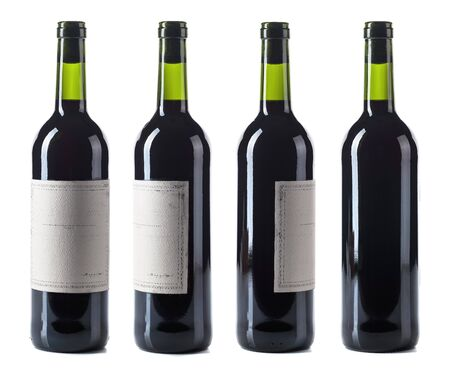 Photo pour Red wine bottle isolated on a white background. Empty vintage paper label. - image libre de droit