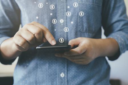 Photo pour Online business fintech concept. Online banking and commecial. - image libre de droit