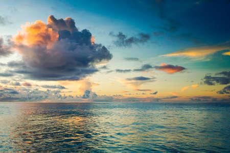 Photo pour Beautiful view of a tropical beach in Praslin, Seychelles - image libre de droit