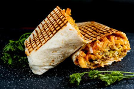 Foto für beef tacos served with golden French fries - Lizenzfreies Bild