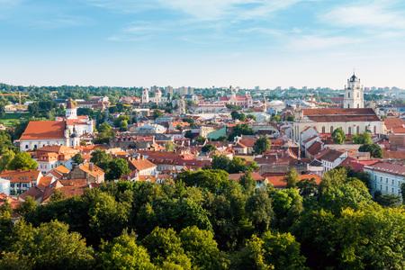 Photo pour Traditional Cathedral building in Vilnius, Lithuanian - image libre de droit