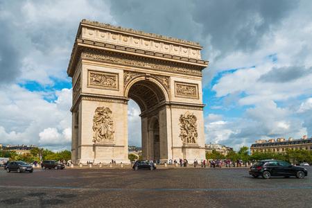 Photo pour PARIS, FRANCE - July 31, 2019: Arc de Triomphe in Paris, one of the most famous monuments, Paris, France. - image libre de droit
