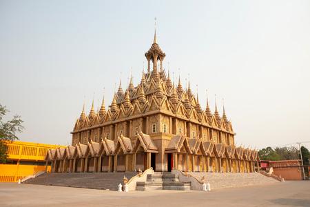 Wat Tha Sung Castle Gold