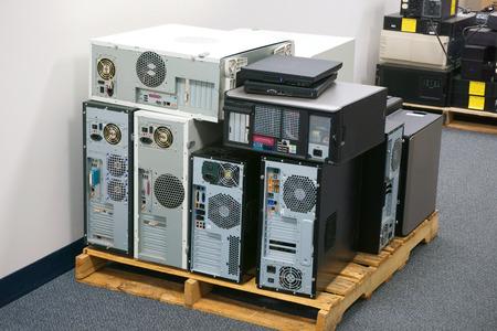Photo pour stacking obsolete computers and workstations - image libre de droit