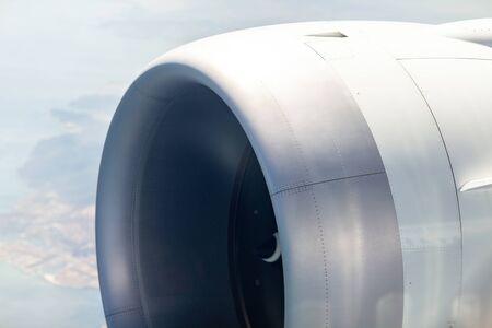 Photo pour Close-up engine of big airplane - image libre de droit